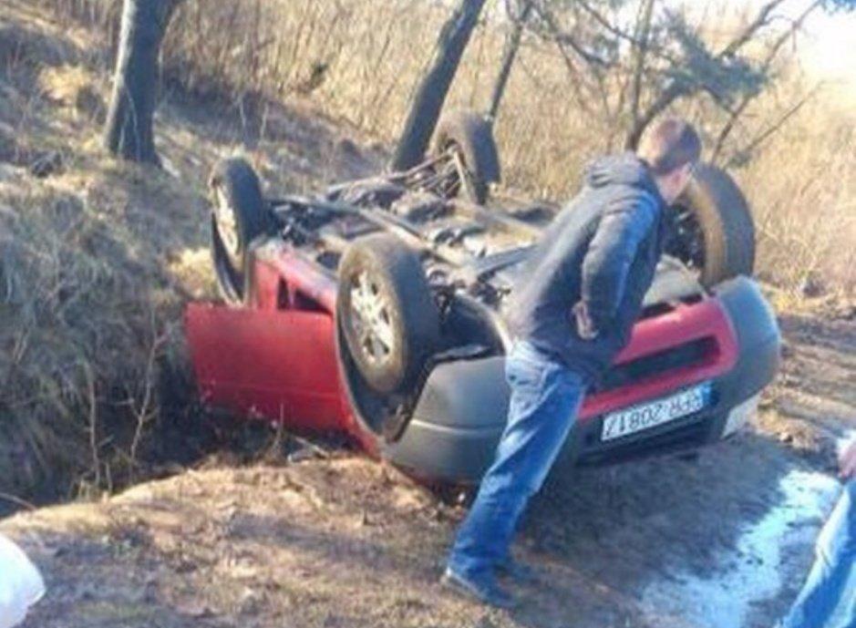 На Буковині перекинувся позашляховик на іноземних номерах, фото-1