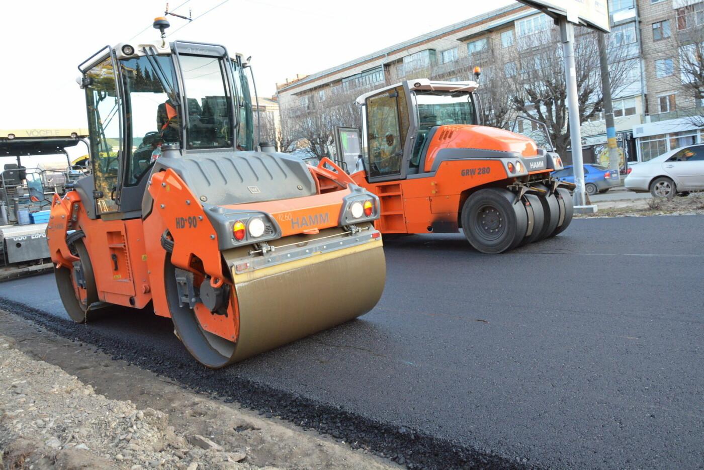 В Чернівцях ведуться активні роботи з ремонту одночасно кількох вулиць, фото-1