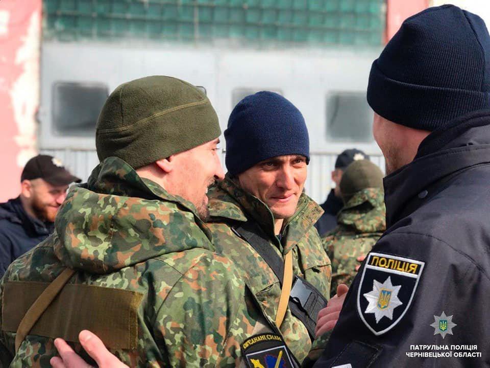 Буковинські поліцейські повернулись додому із зони ООС , фото-1