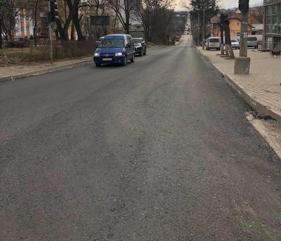 В Чернівцях заасфальтували частину вулиці Сторожинецької , фото-1
