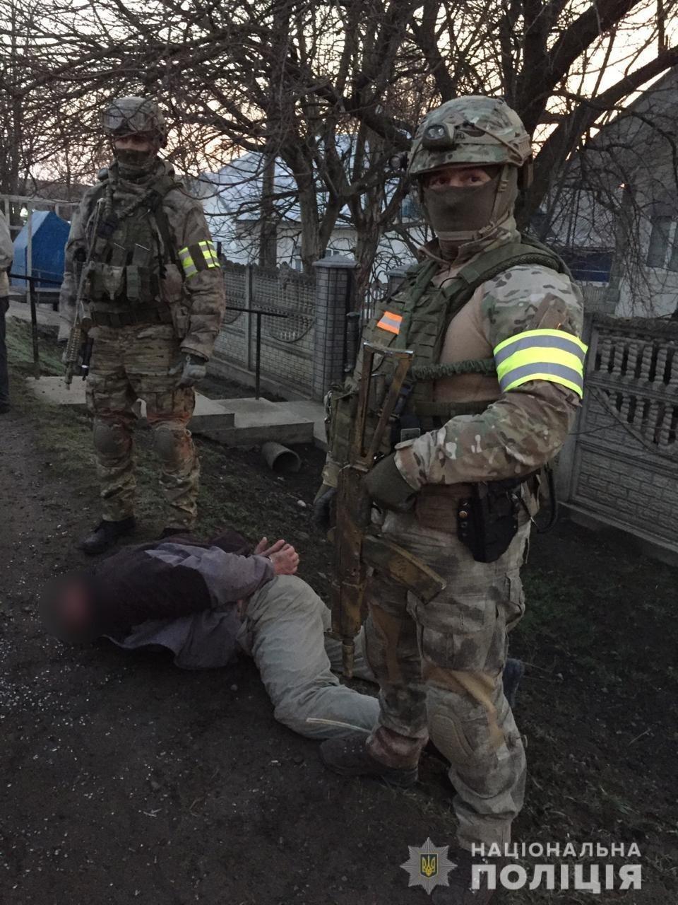 Побили та пограбували: буковинська поліція затримала 3 нападників, фото-3