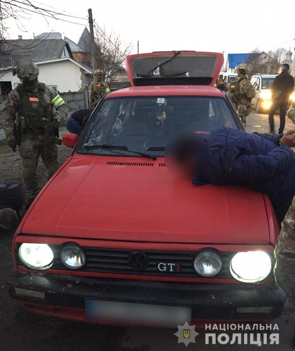 Побили та пограбували: буковинська поліція затримала 3 нападників, фото-2