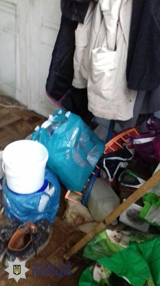 Пили та били дітей: в Чернівцях на подружжя склали протокол за антисанітарні умови проживання, фото-11