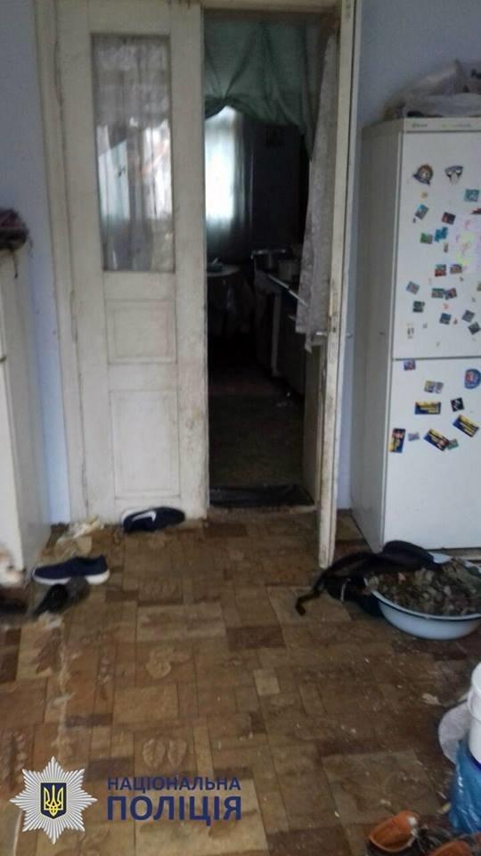 Пили та били дітей: в Чернівцях на подружжя склали протокол за антисанітарні умови проживання, фото-12