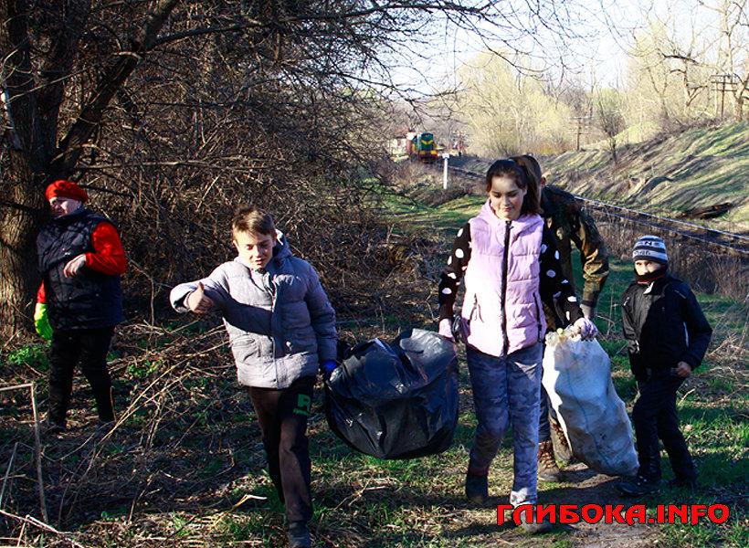 Буковинські учні взяли участь в акції #чисточелендж, фото-1