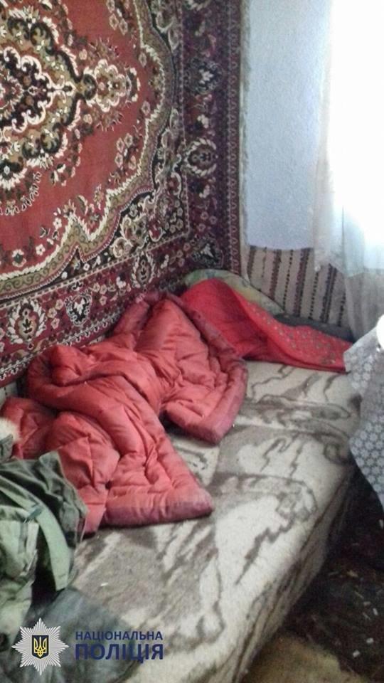Пили та били дітей: в Чернівцях на подружжя склали протокол за антисанітарні умови проживання, фото-5