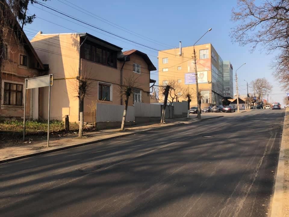 Мінус одна аварійна ділянка: в Чернівцях завершили ремонт, фото-3