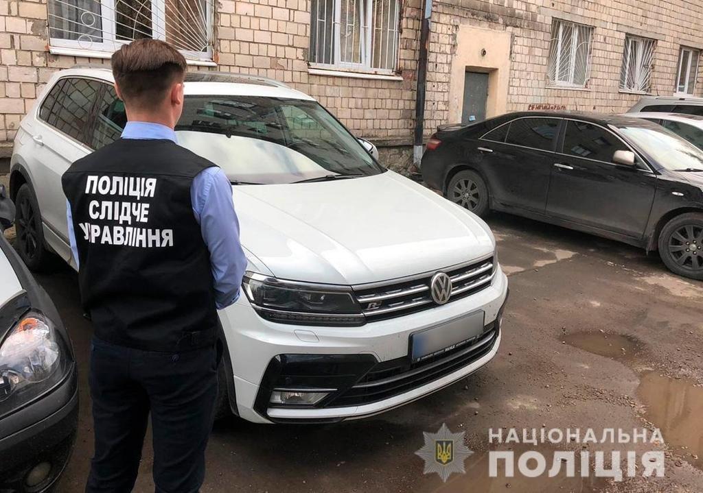 Придбав у лізинг автівку в Німеччині та переховувався в Україні: чернівецькі поліцейські викрили шахрая, фото-1