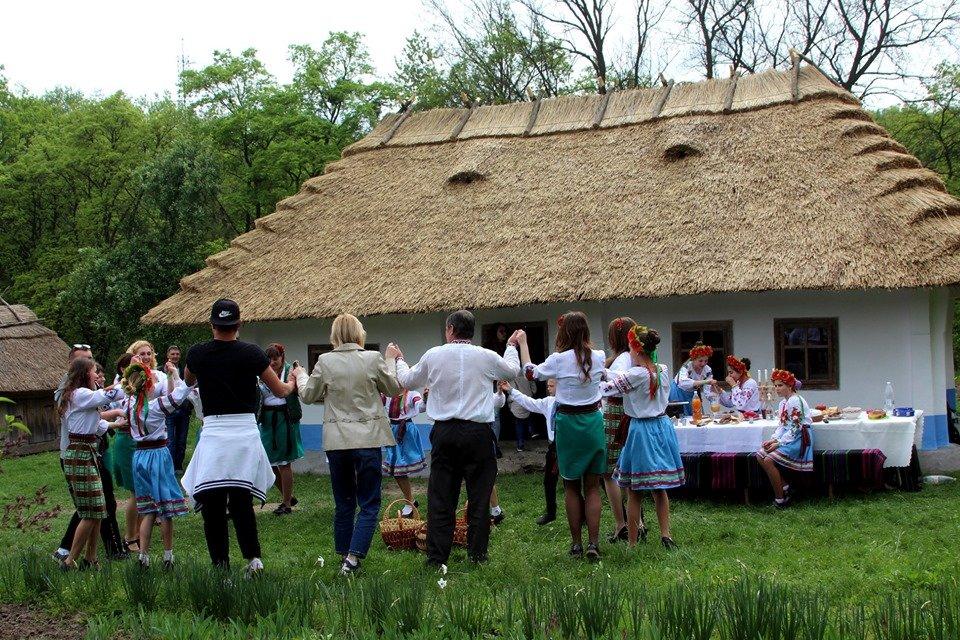 В Чернівцях провели мистецьке свято, фото-10