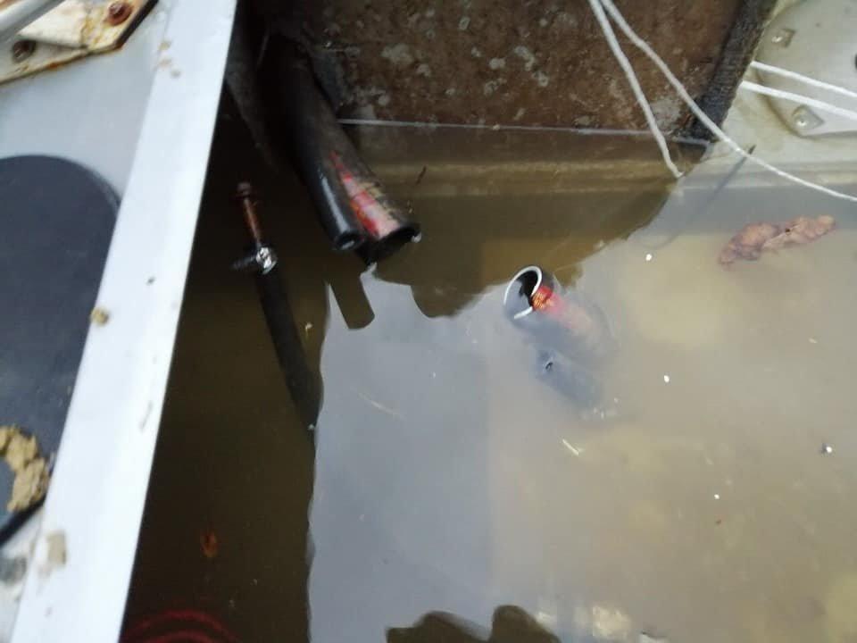 На Буковині бракон'єри викрали човен патруля та понівичили його, фото-3