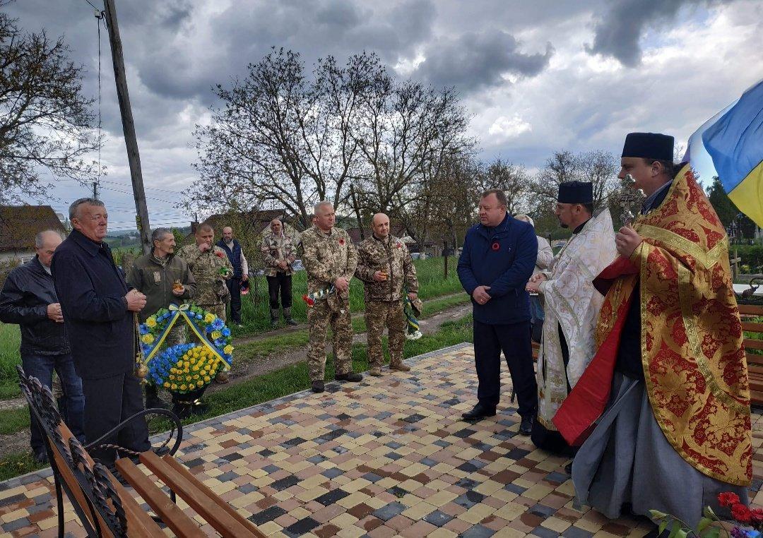 На Буковині вшанували пам'ять загиблого Героя-кіборга Володимира Бузенка, фото-2