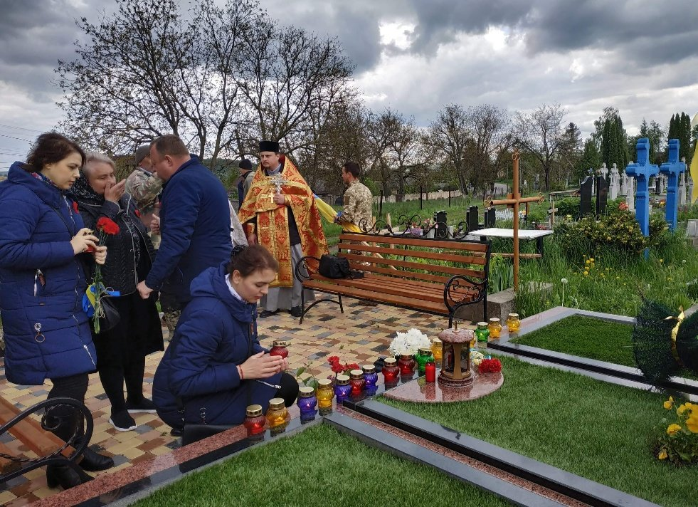 На Буковині вшанували пам'ять загиблого Героя-кіборга Володимира Бузенка, фото-3