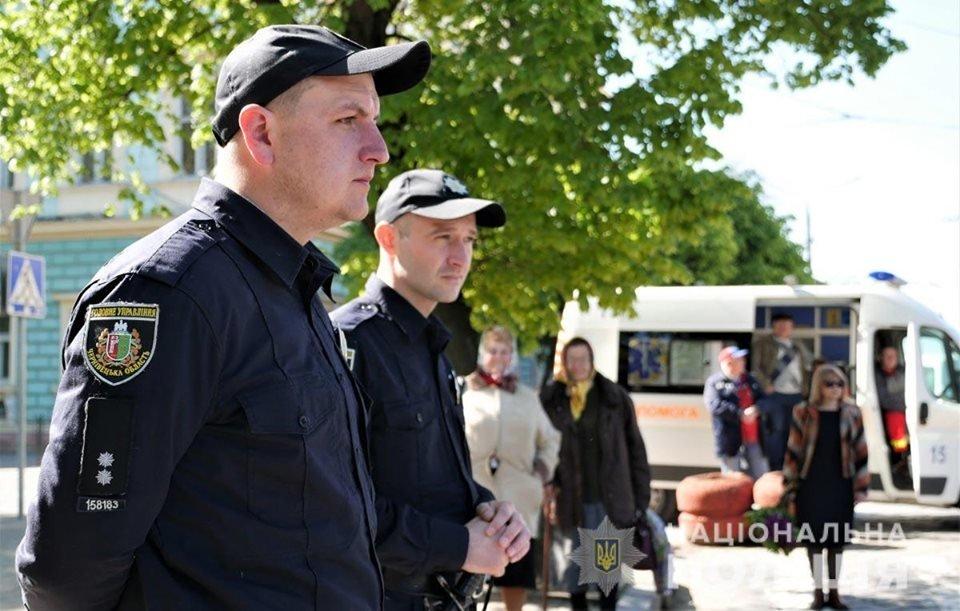 На Буковині у заходах присвячених 9 травня взяло участь більше 7 тисяч людей, фото-1