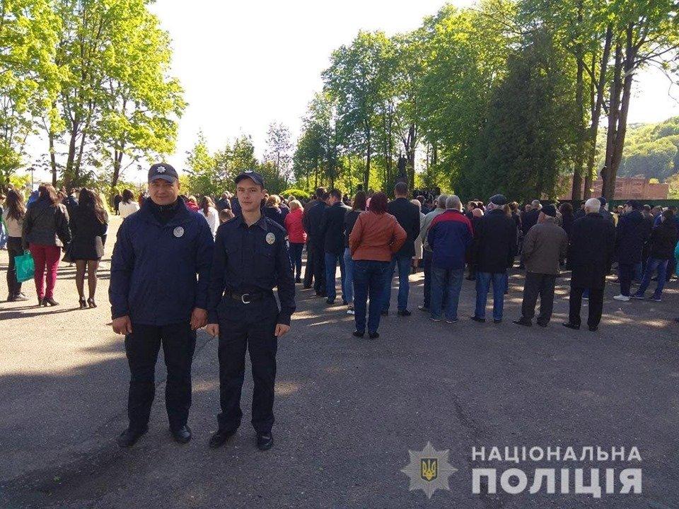 На Буковині у заходах присвячених 9 травня взяло участь більше 7 тисяч людей, фото-2