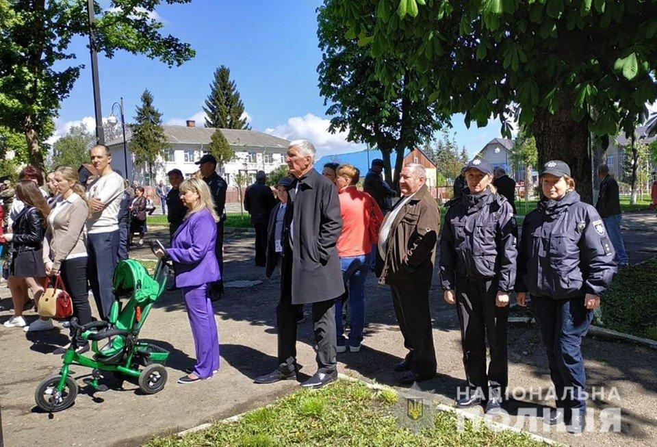 На Буковині у заходах присвячених 9 травня взяло участь більше 7 тисяч людей, фото-12