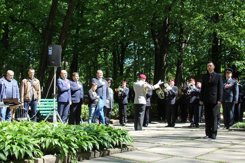 В Чернівцях біля пам'ятника генералу Федору Боброву провели мітинг-реквієм, фото-9