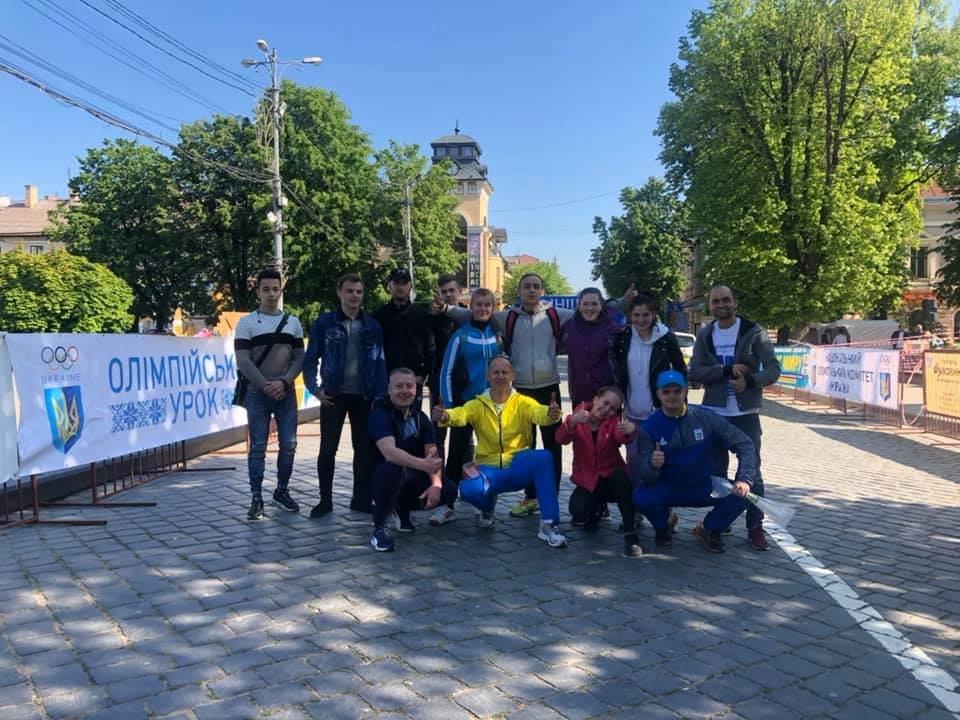 """В Чернівцях відбувся щорічний марафон """"Біг миру"""", фото-1"""