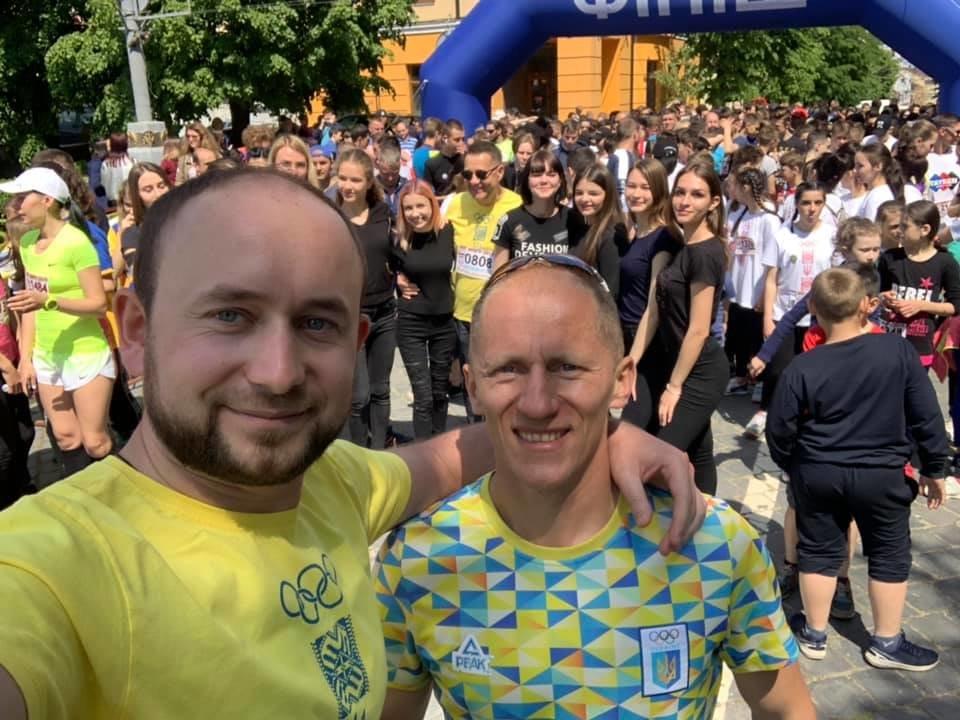 """В Чернівцях відбувся щорічний марафон """"Біг миру"""", фото-14"""