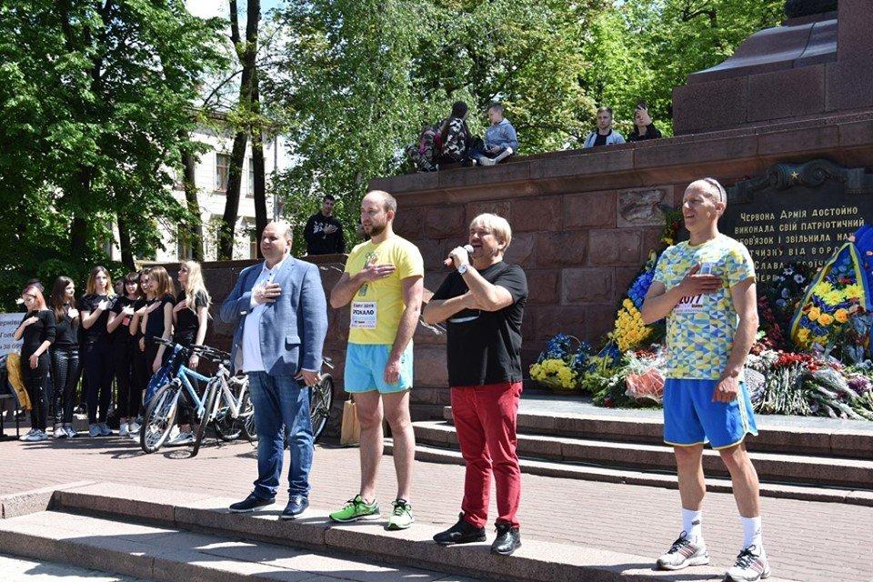 """В Чернівцях відбувся щорічний марафон """"Біг миру"""", фото-5"""