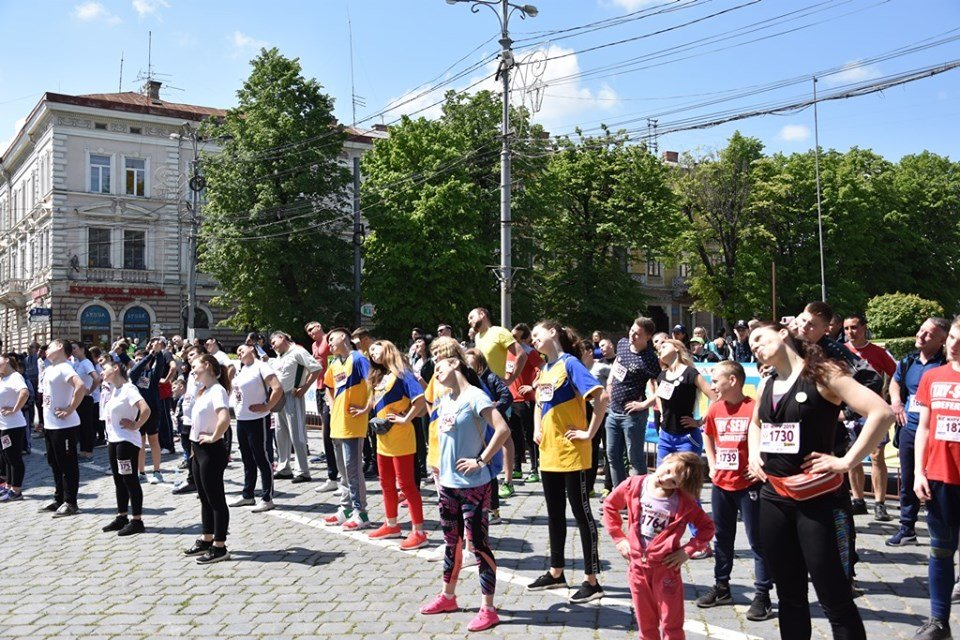 """В Чернівцях відбувся щорічний марафон """"Біг миру"""", фото-7"""