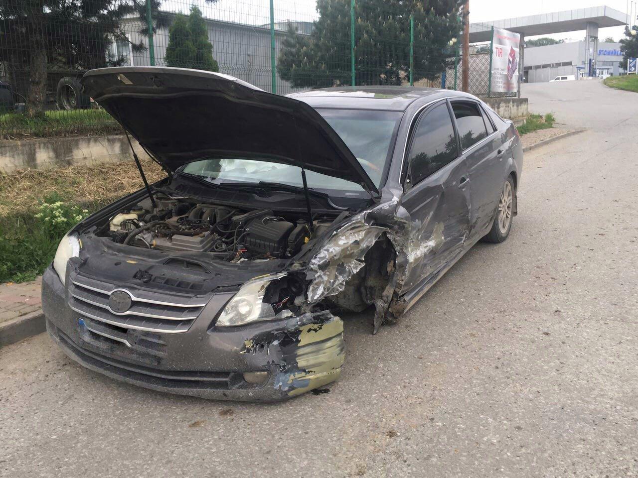 На Буковині трапилась жахлива ДТП: одна людина травмувалась, фото-2