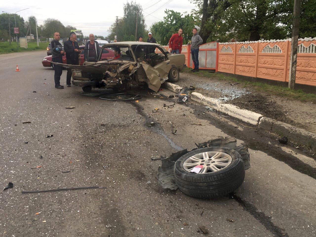 На Буковині трапилась жахлива ДТП: одна людина травмувалась, фото-1