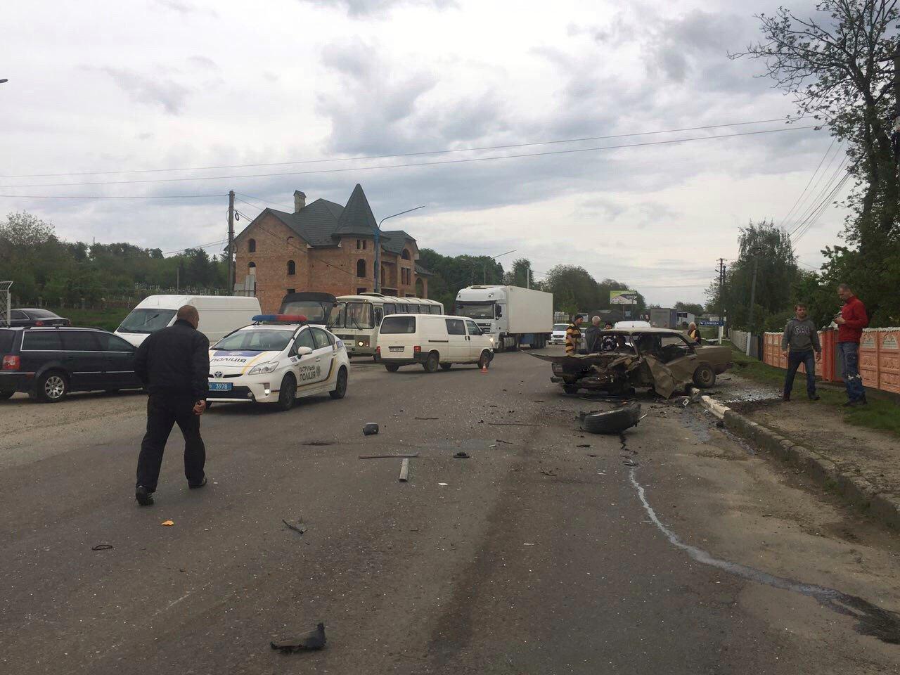 На Буковині трапилась жахлива ДТП: одна людина травмувалась, фото-4