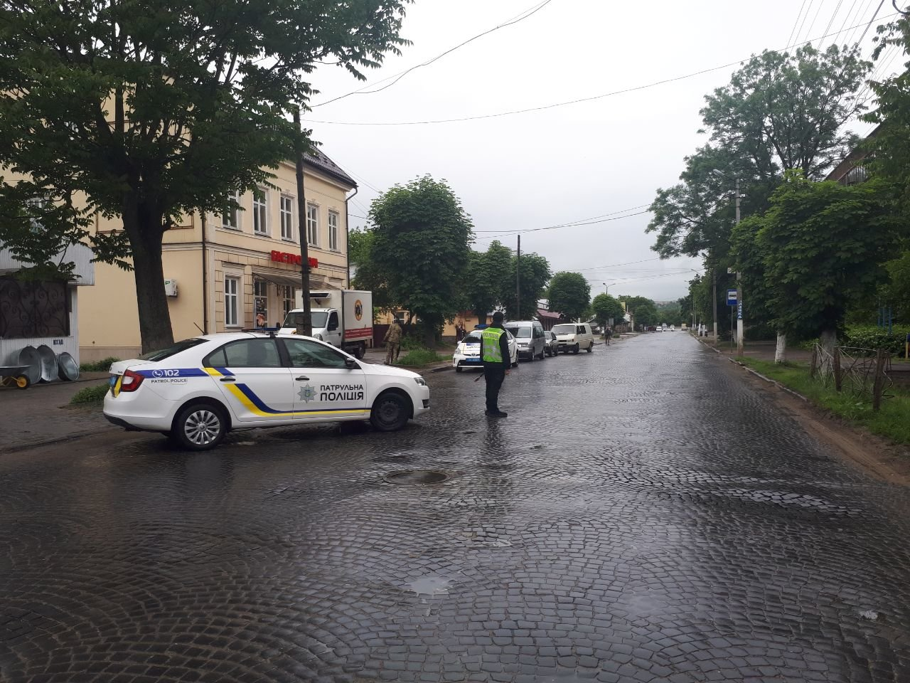 У Чернівцях замінували Управління поліції, фото-1