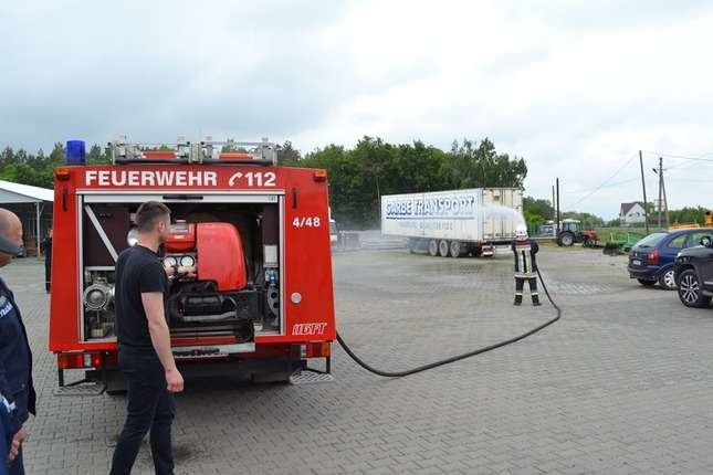 Одній із буковинських ОТГ подарували нову пожежну машину з Німеччини, фото-1