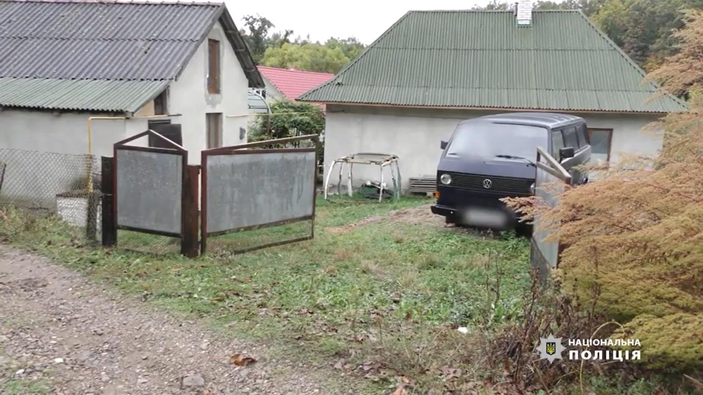 Знайшли підозрюваного у вбивстві матері й сестри на Буковині - він зізнався у скоєному, фото-1