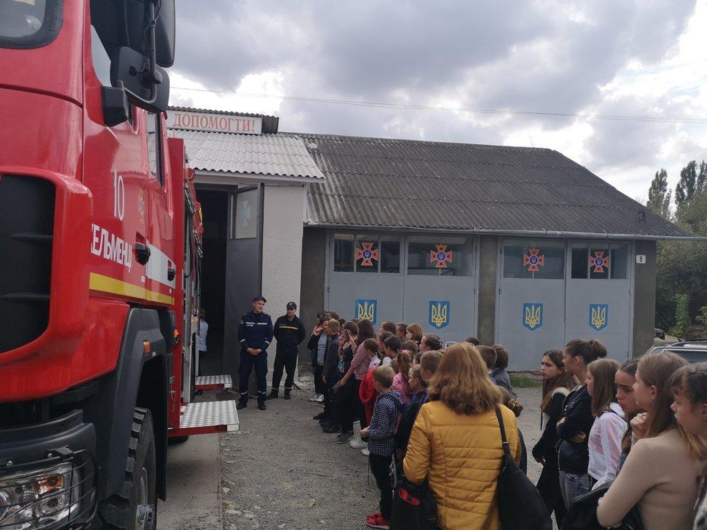 Про свою роботу розповіли рятувальники в одній із шкіл Буковини - фото, фото-3