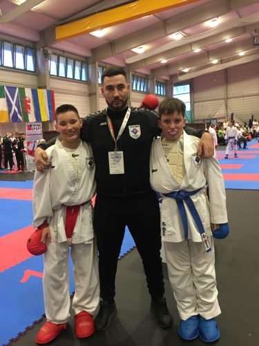 Спортсмени Чернівців привезли 23 медалі з чемпіонату Європи по карате у Будапешті - фото, фото-4
