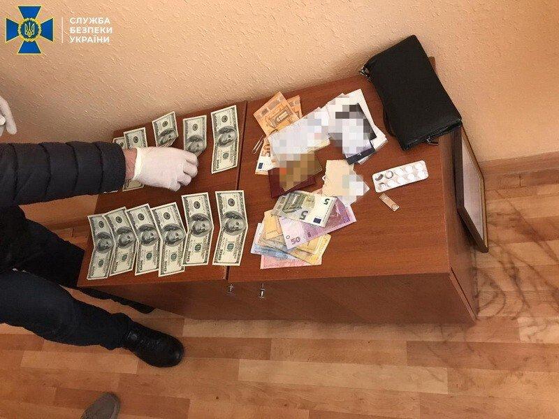 На Буковині СБУ викрила начальника відділу Держприкордонслужби на хабарі, фото-1