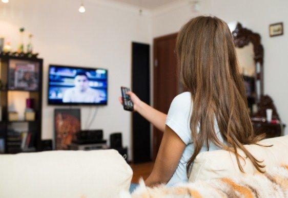 діти від безглуздого перегляду телебачення відстають у навчанні, фото ілюстративне
