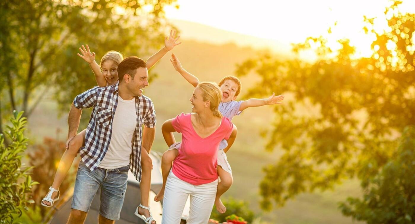 Попередні дослідження засвідчили, що проводити час з родиною є найбільше щастя для людини