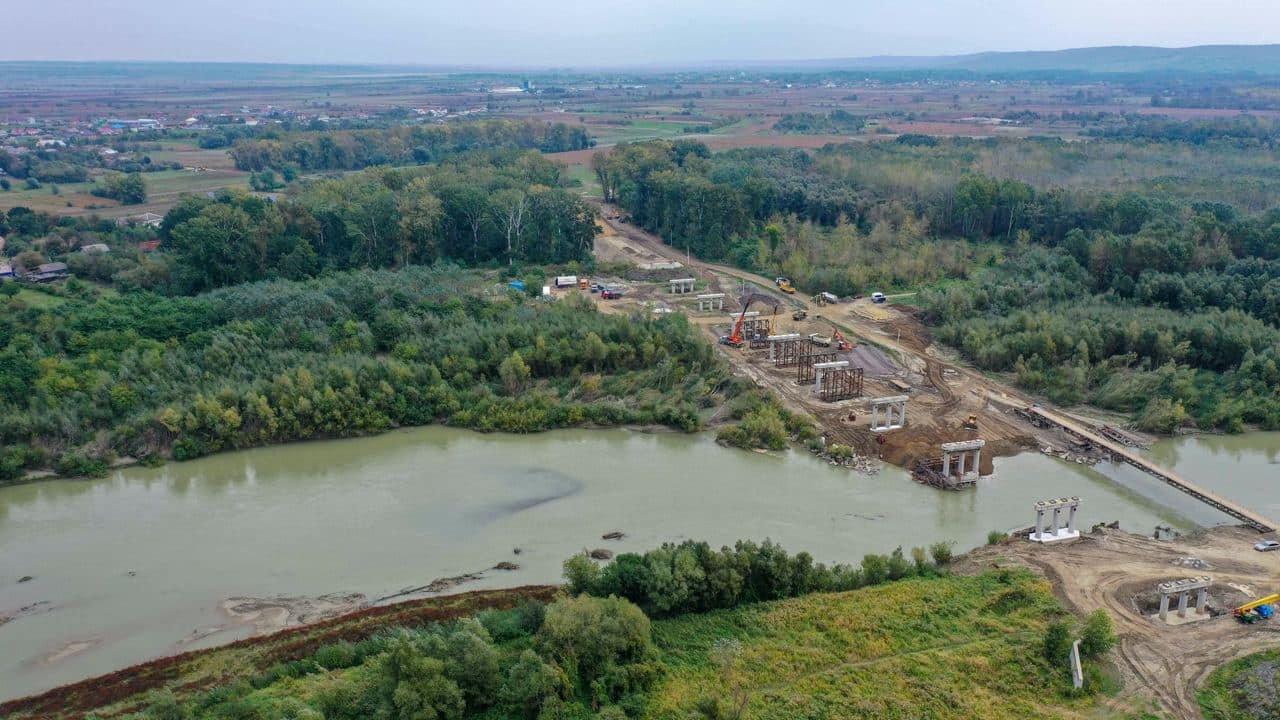 с. Маршинці, спорудження нового моста, фото з Фейсбук-сторінки Чернівецької ОДА