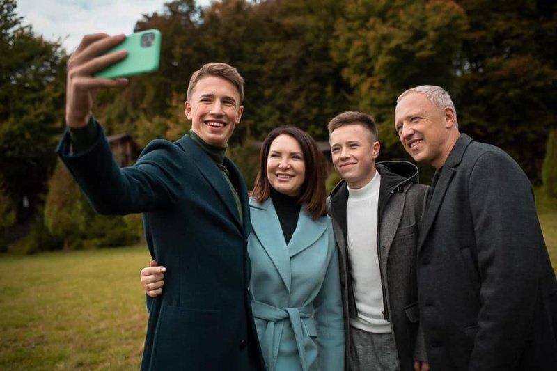Рома Клічук з родиною