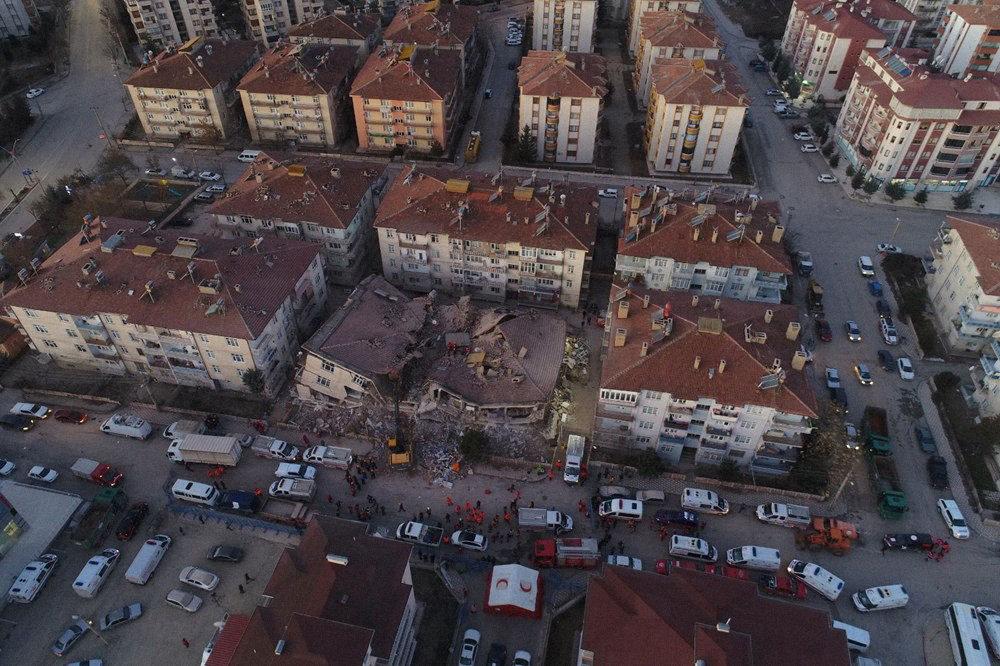 Землетрус спричинив значні руйнування на Самосі і турецькому місті Ізмір, фото з відкритих джерел