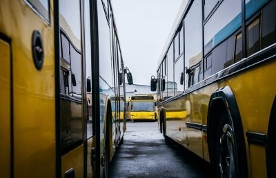 Обирали перевізників на 13 автобусних маршрутів