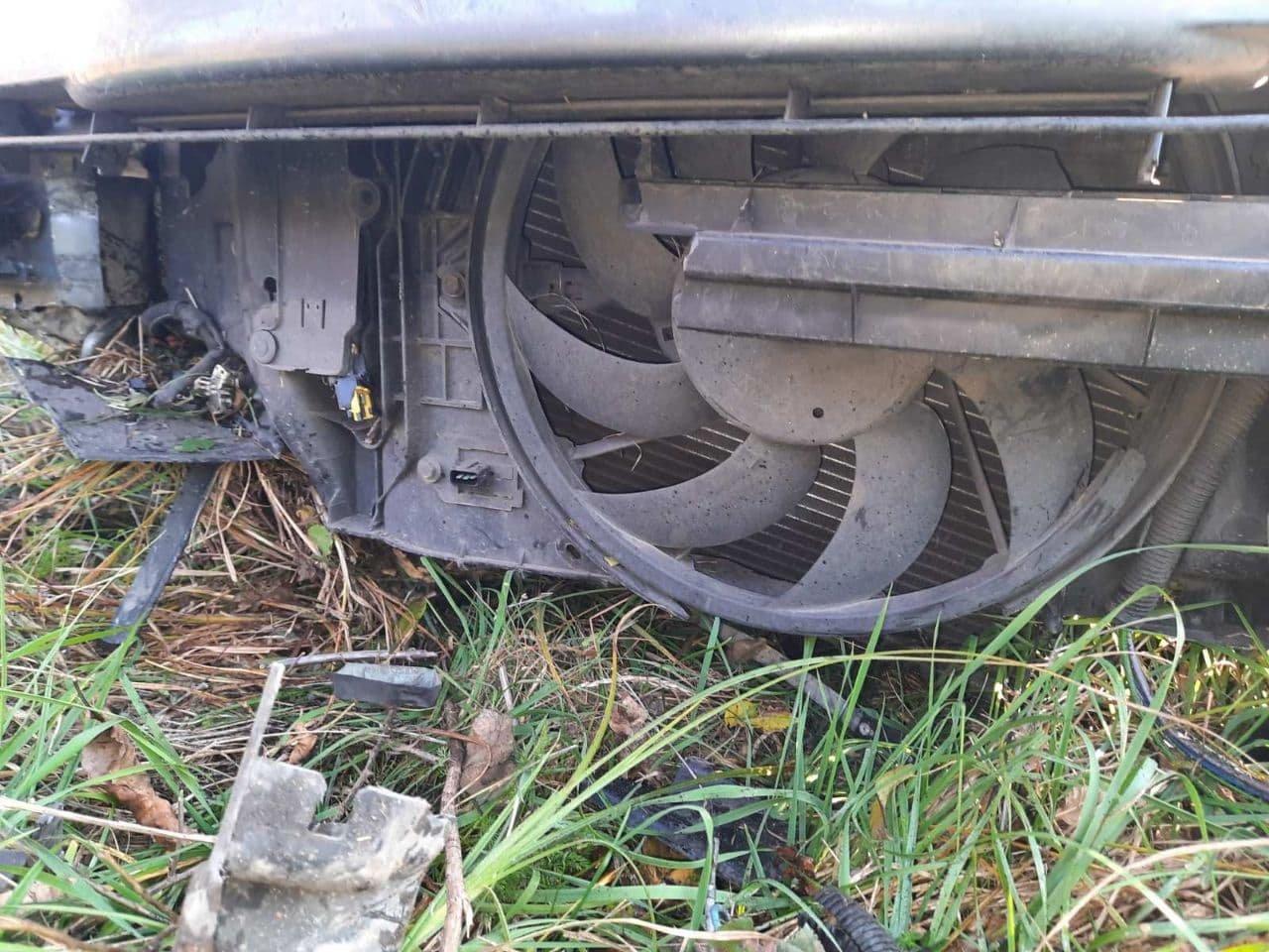 Розбита вщент машина внаслідок автопригоди, Фото: Сергій Бурий