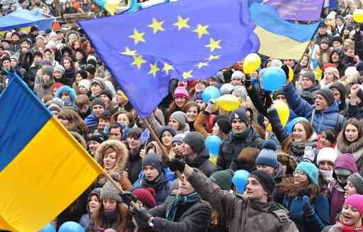 21 листопада 2013 року розпочалися перші протестні акції української громадськості