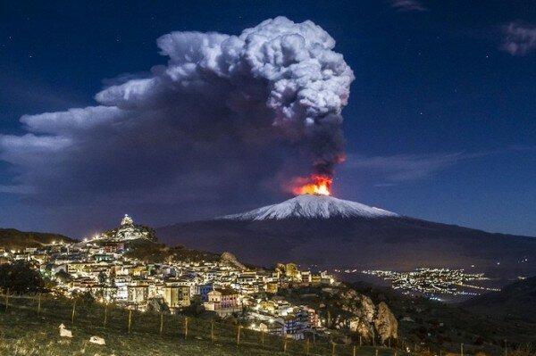 Виверження вулкану Етна на Сицилії