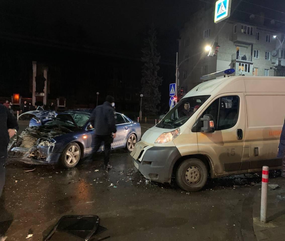 ДТП на Проспекті Незалежності у Чернівцях