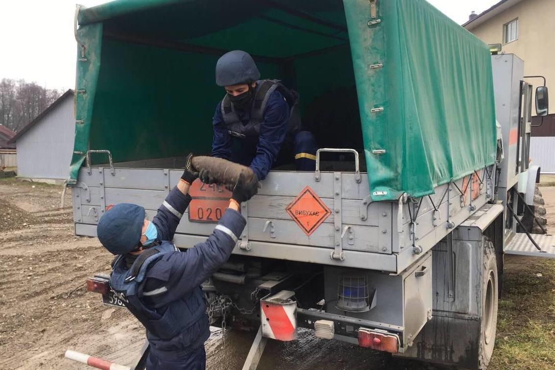 З початку року рятувальники знищили 107 застарілих боєприпасів