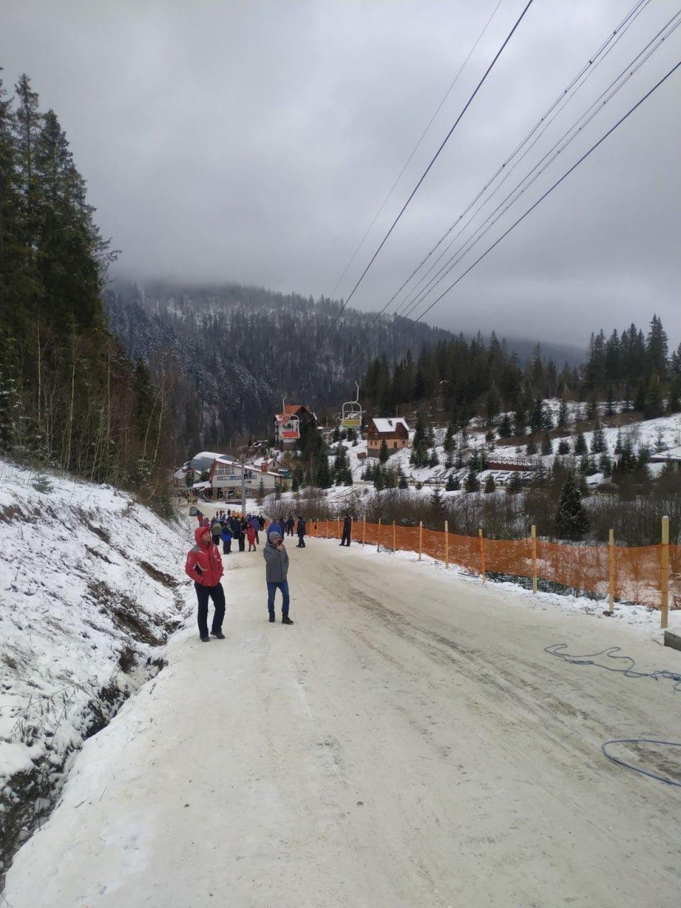 Канатна дорога на горі Захар Беркут