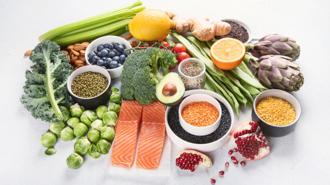 В зимовому раціоні обов'язково мають бути овочі, фрукти та злакові