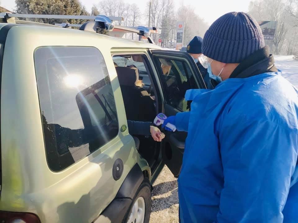 На Прикарпатті від сьогодні запрацювали контрольно-пропускні пункти (ФОТО), фото-4
