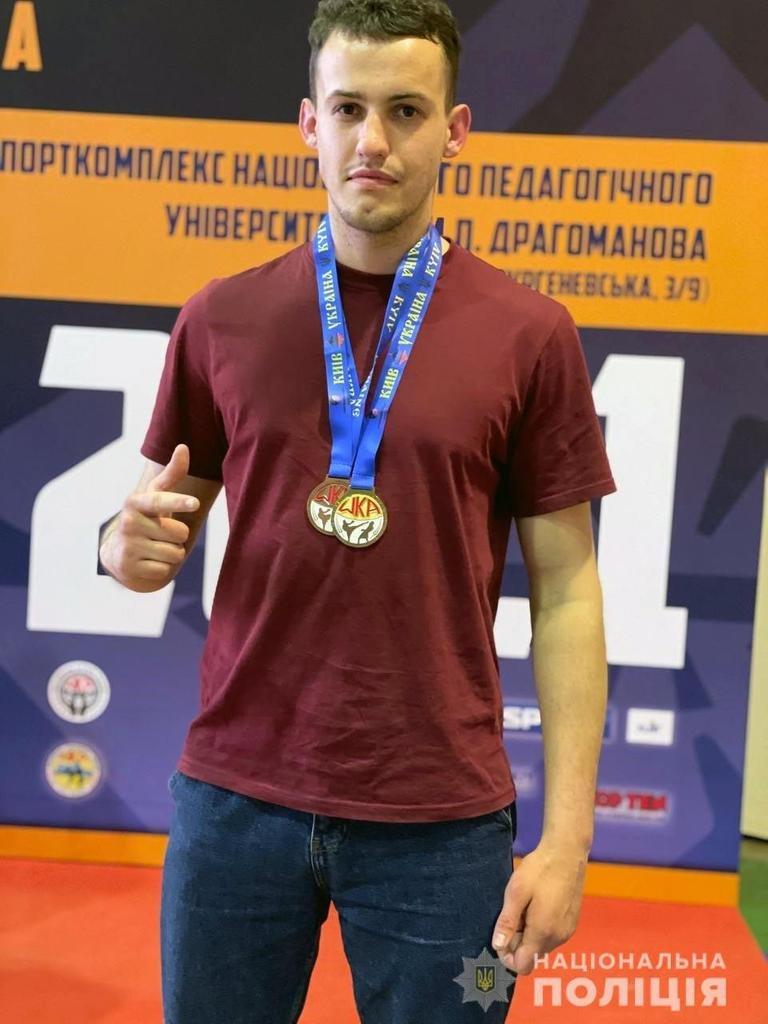 Олександр Гушуватий став чемпіоном України з кікбоксингу