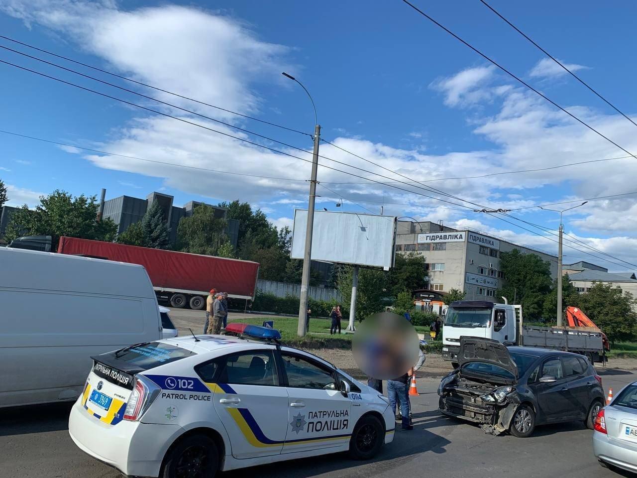 ДТП за участі швидкої на вул. Хотинській