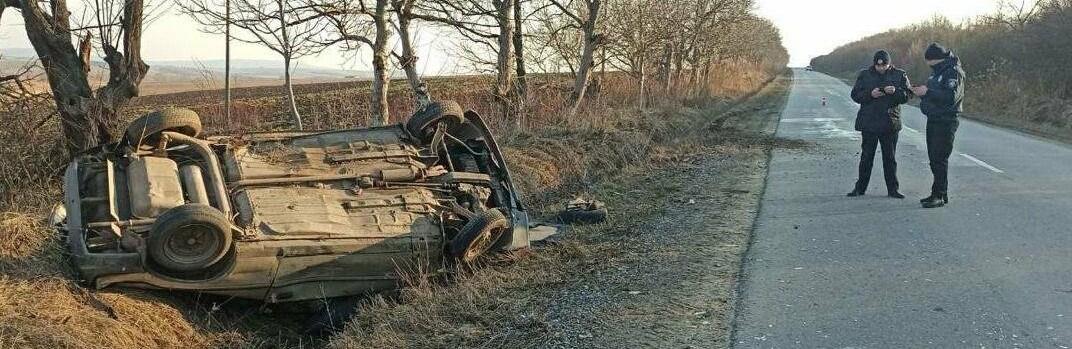 У ДТП на Буковині постраждали водій та 17-річна пасажирка